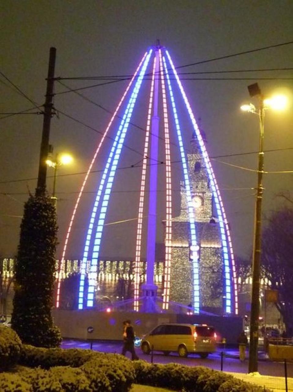 albero di Natale stroboscopico a Milano - foto di Pasquale Campolo
