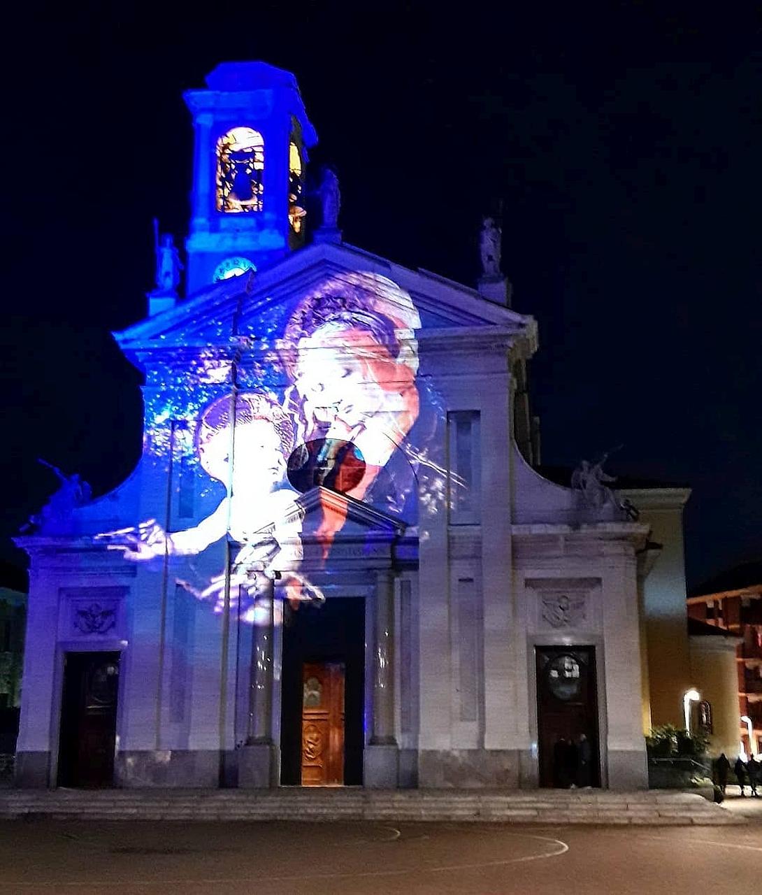 Madonna sulla chiesa dei Santi Gervaso e Protaso a Parabiago (Milano) - foto di Pasquale Campolo