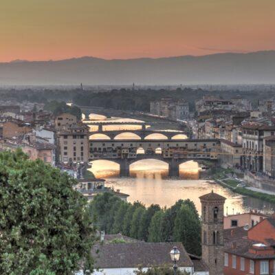 i ponti sull'Arno, in primo piano il Ponte Vecchio, foto di Pasquale Campolo